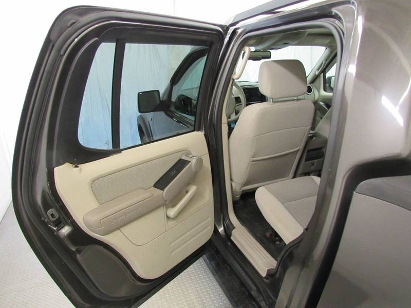 2007 Ford Explorer Sport Trac for sale at Premier Automotive Group in Milford OH