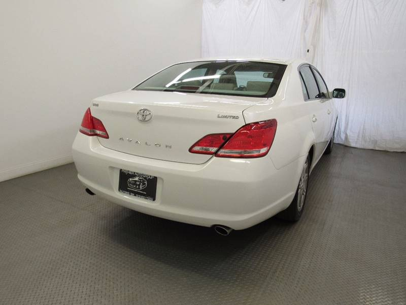 2007 Toyota Avalon for sale at Premier Automotive Group in Milford OH