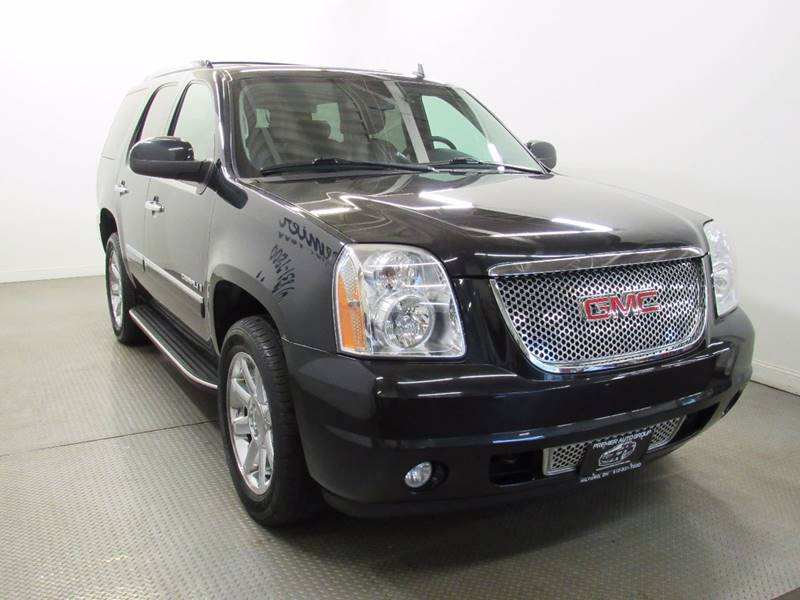 2009 GMC Yukon for sale at Premier Automotive Group in Milford OH