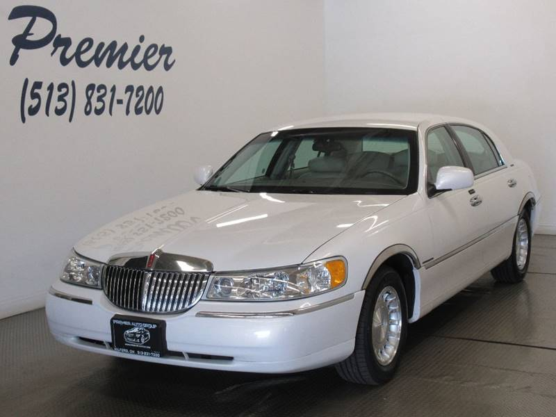 2002 Lincoln Town Car Executive In Milford Oh Premier Automotive