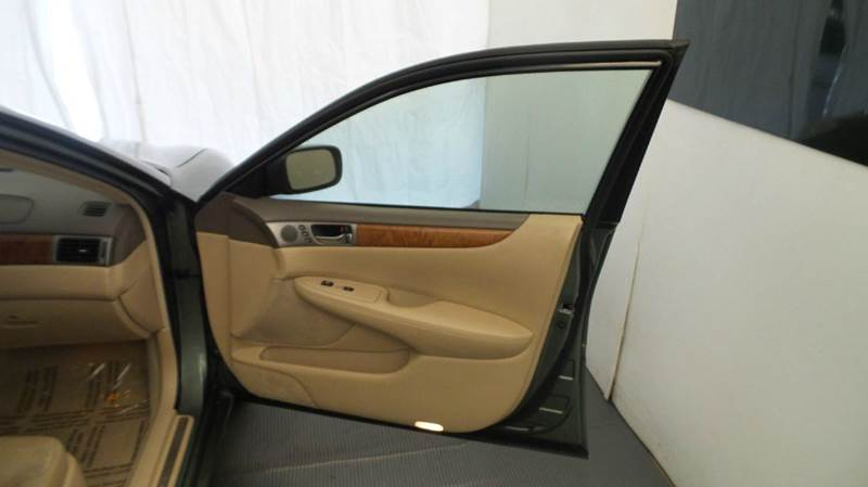 2006 Lexus ES 330 for sale at Premier Automotive Group in Milford OH