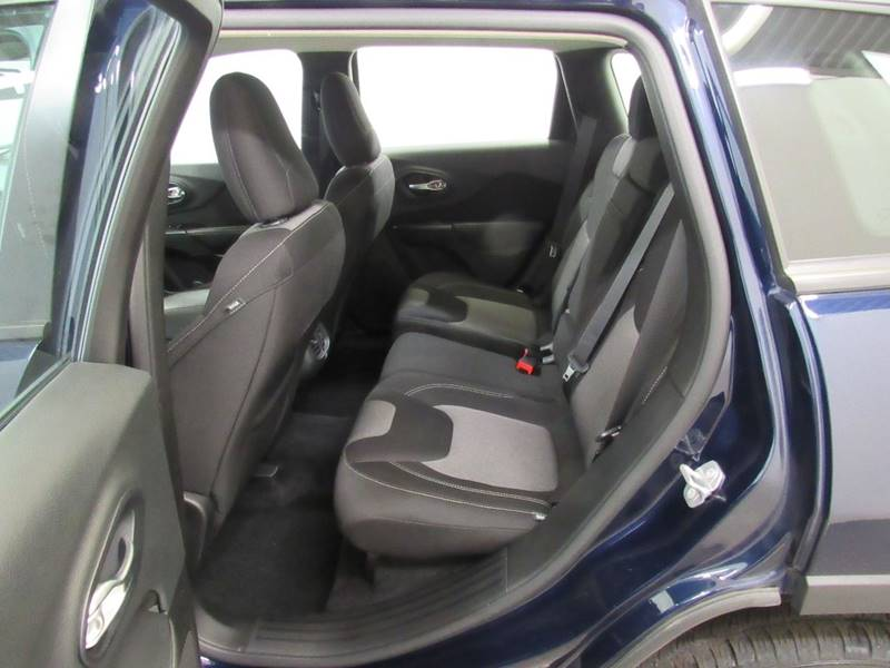 2015 Jeep Cherokee for sale at Premier Automotive Group in Milford OH