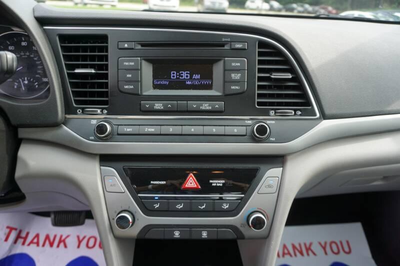 2017 Hyundai Elantra SE - Mount Vernon OH