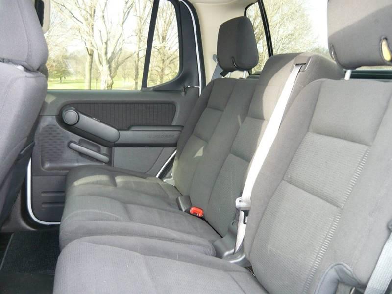 2010 Ford Explorer Sport Trac 4x4 XLT 4dr Crew Cab - Marietta OH