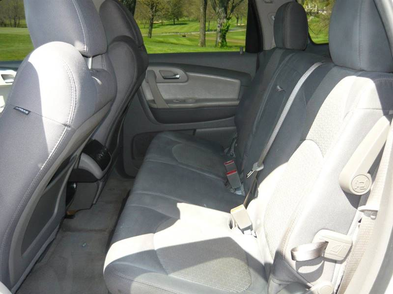 2011 Chevrolet Traverse AWD LT 4dr SUV w/1LT - Marietta OH