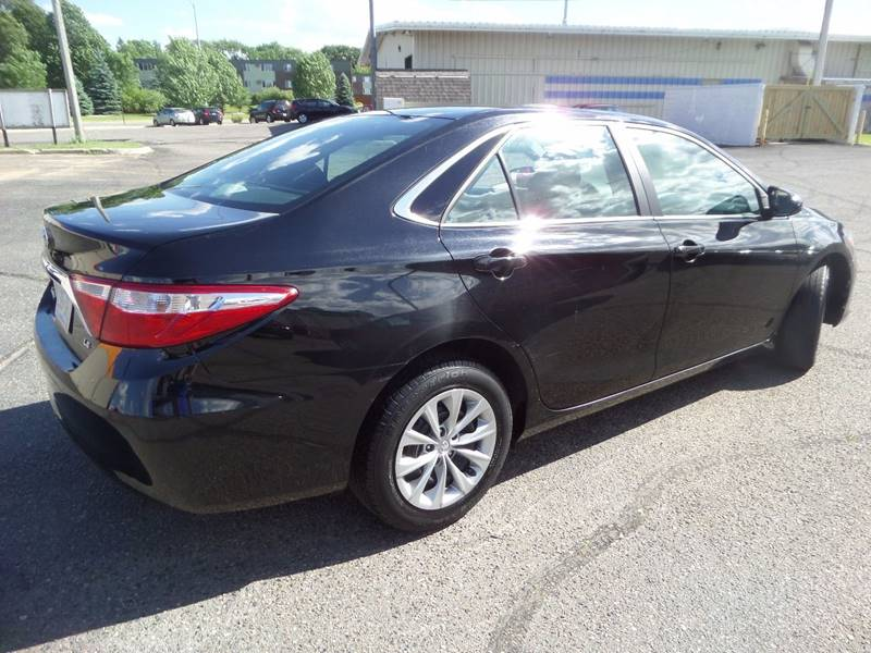 2016 Toyota Camry SE 4dr Sedan - Saint Cloud MN