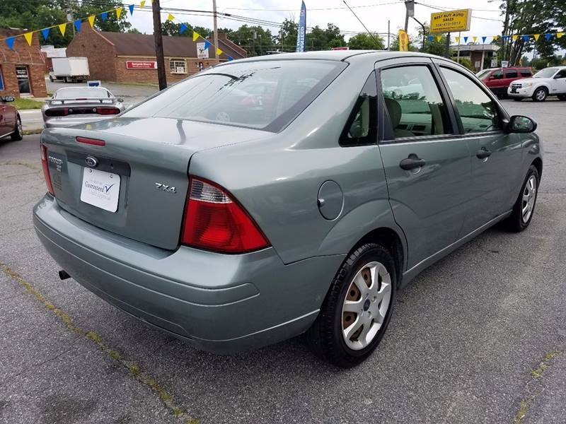 2005 Ford Focus ZX4 SE 4dr Sedan - Thomasville NC