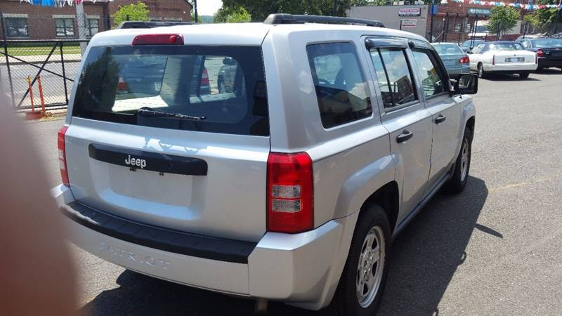 2008 Jeep Patriot Sport 4dr SUV w/CJ1 Side Airbag Package - Holyoke MA