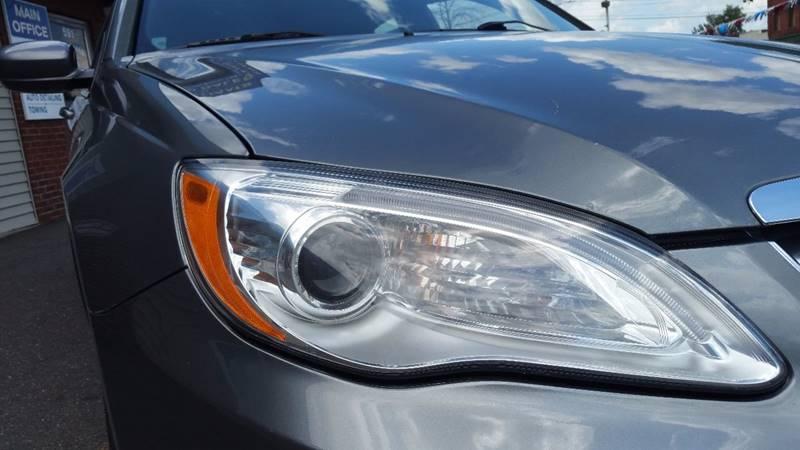 2012 Chrysler 200 LX 4dr Sedan - Holyoke MA