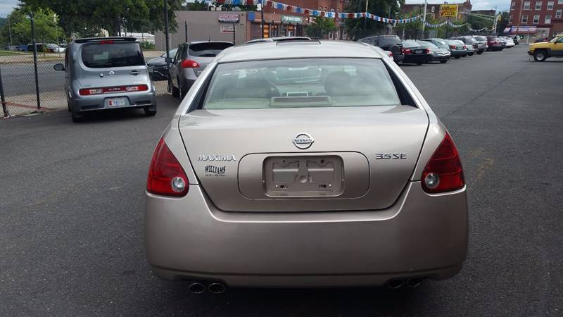 2005 Nissan Maxima 3.5 SE 4dr Sedan - Holyoke MA