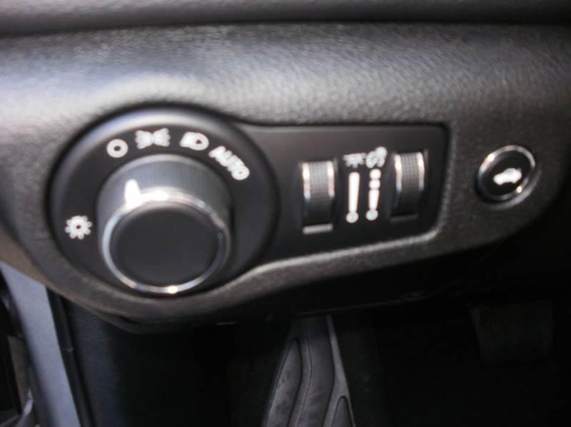 2015 Chrysler 200 Limited 4dr Sedan - Ogden UT