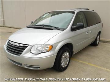 2005 Chrysler Town and Country for sale in Houston, TX