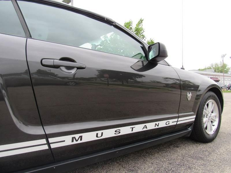 2009 Ford Mustang for sale at Auto House Motors in Downers Grove IL