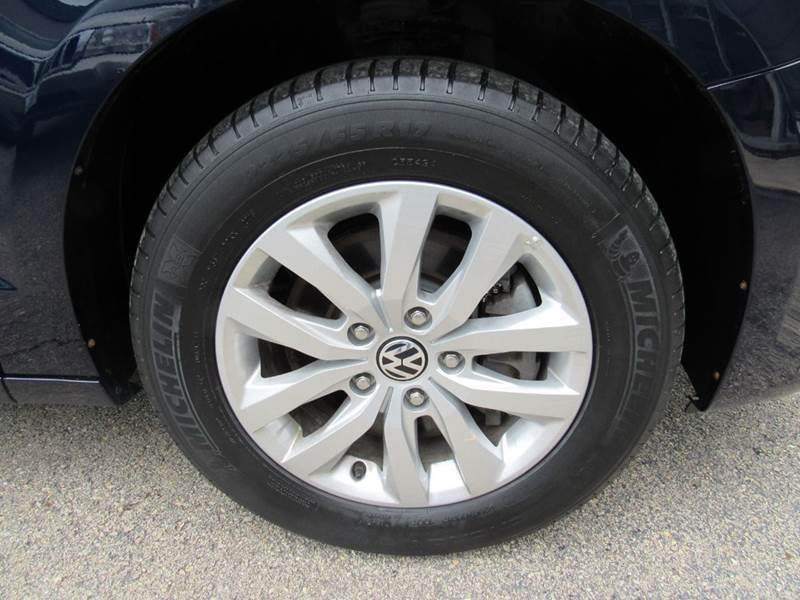 2014 Volkswagen Routan for sale at Auto House Motors in Downers Grove IL