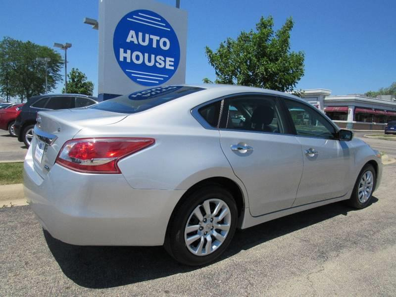 2013 Nissan Altima for sale at Auto House Motors in Downers Grove IL