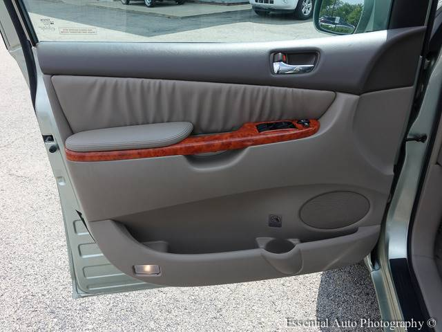 2006 Toyota Sienna for sale at Auto House Motors in Downers Grove IL