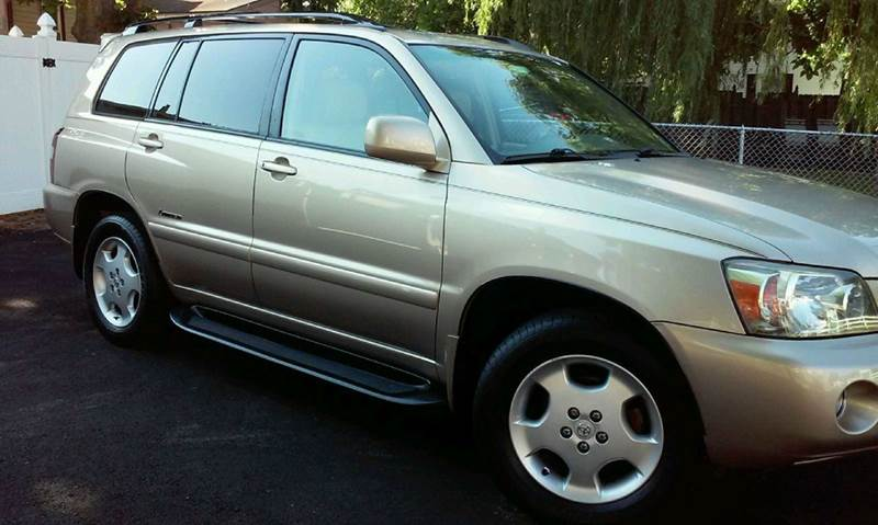 2006 Toyota Highlander for sale at The Nella Collection in Fort Washington MD