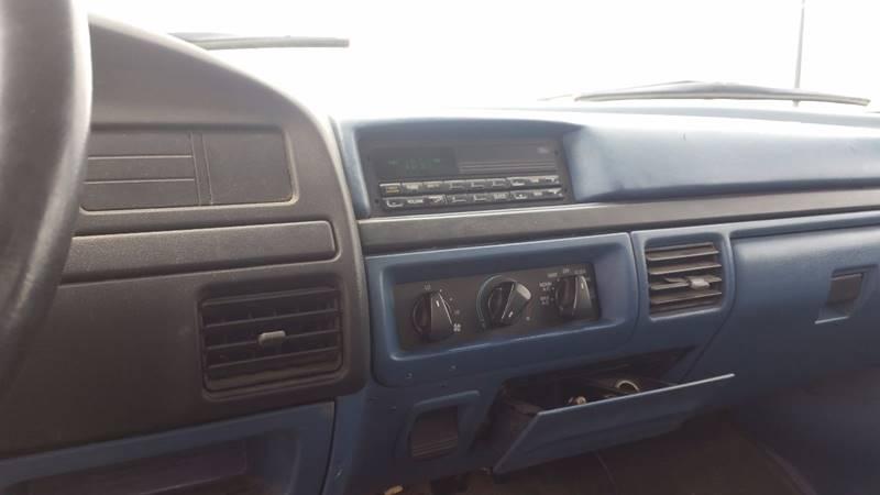 1997 Ford F-250 2dr XL 4WD Standard Cab LB HD - Bowling Green OH