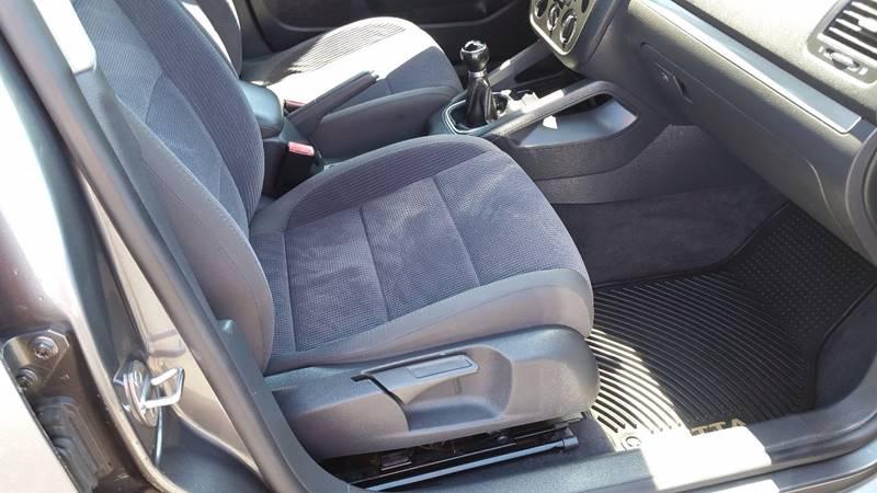 2006 Volkswagen Jetta Value Edition 4dr Sedan (2.5L I5 5M) - Bowling Green OH