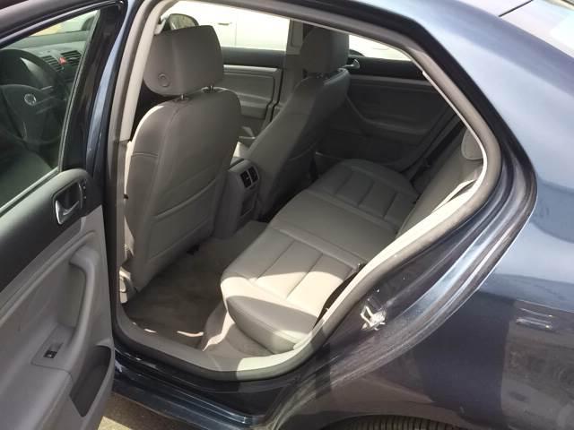 2006 Volkswagen Jetta 2.5 PZEV 4dr Sedan w/Manual - Branford CT