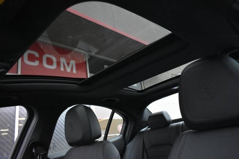 2020 Alfa Romeo Giulia Ti Sport (image 18)