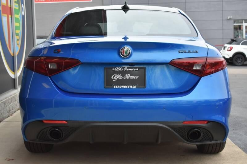 2020 Alfa Romeo Giulia Ti Sport (image 5)