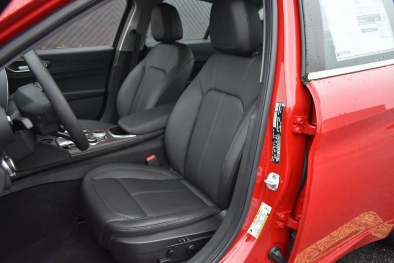 2020 Alfa Romeo Giulia Ti (image 10)
