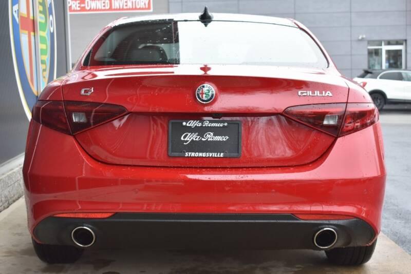 2020 Alfa Romeo Giulia Ti (image 5)