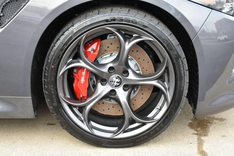 2020 Alfa Romeo Giulia Quadrifoglio (image 15)