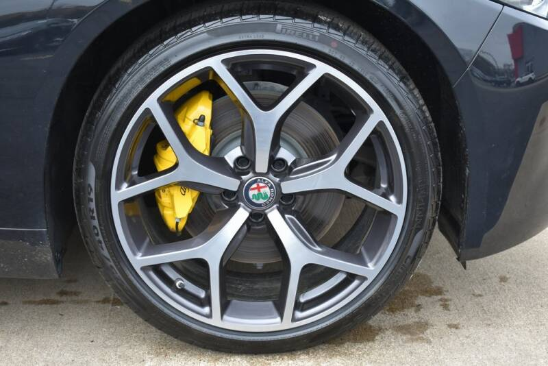 2020 Alfa Romeo Giulia Ti (image 15)