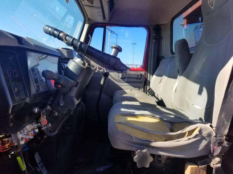 2001 International 4700 4X2 2dr Chassis - Baytown TX