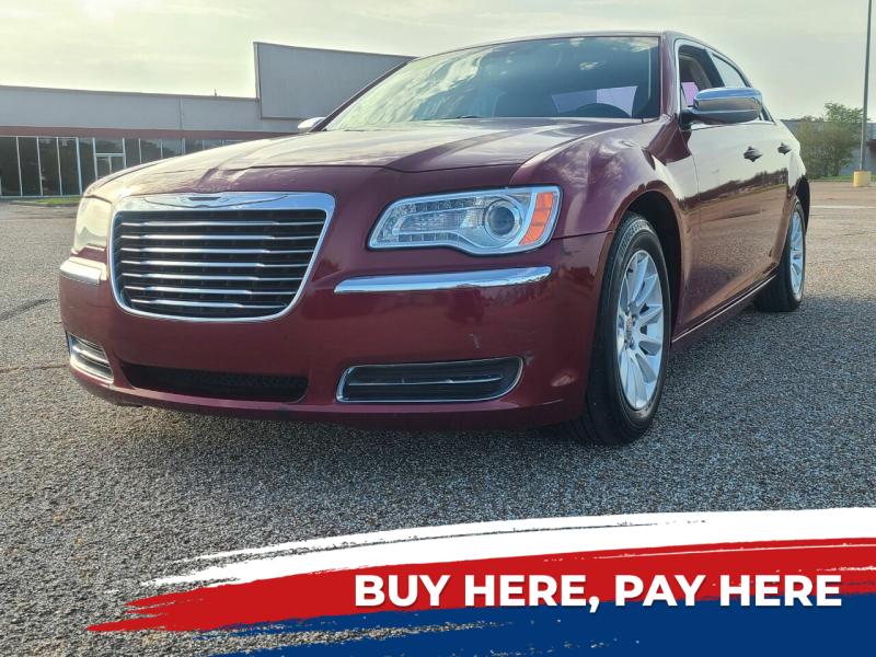 2012 Chrysler 300 4dr Sedan - Baytown TX