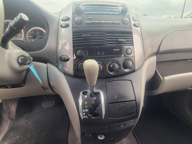 2006 Toyota Sienna LE 8-Passenger 4dr Mini-Van - Baytown TX