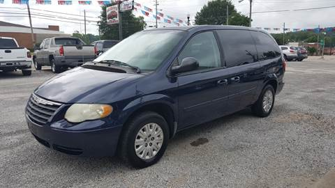 2005 Chrysler Town and Country for sale in Guin, AL
