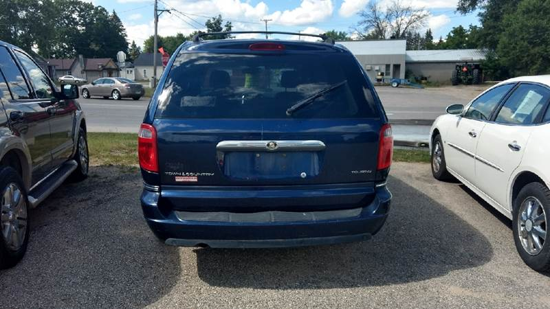 2005 Chrysler Town and Country Touring 4dr Extended Mini-Van - Manton MI