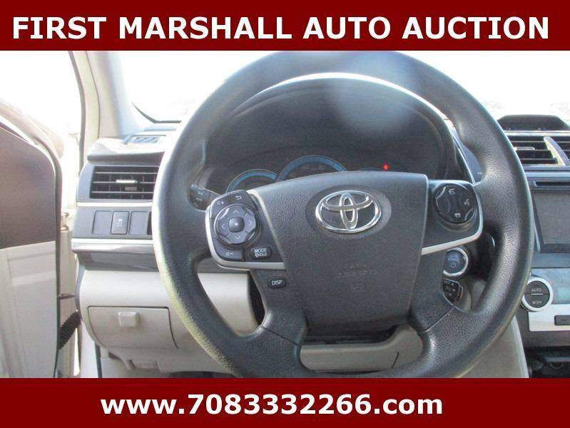 2014 toyota camry hybrid le 4dr sedan in harvey il first marshall auto auction. Black Bedroom Furniture Sets. Home Design Ideas