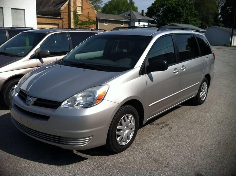 2004 Toyota Sienna LE 7-Passenger 4dr Mini-Van - Fort Wayne IN
