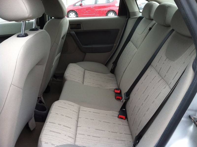 2009 Ford Focus SE 4dr Sedan - Fort Wayne IN