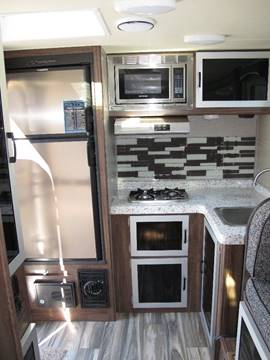 2018 Travel Lite Falcon F-22 Rk In Grants Pass OR - Oregon RV Outlet LLC