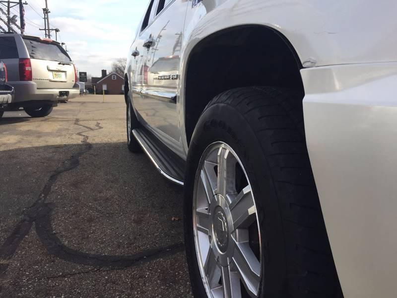 2007 Cadillac Escalade ESV AWD 4dr SUV - Canton OH
