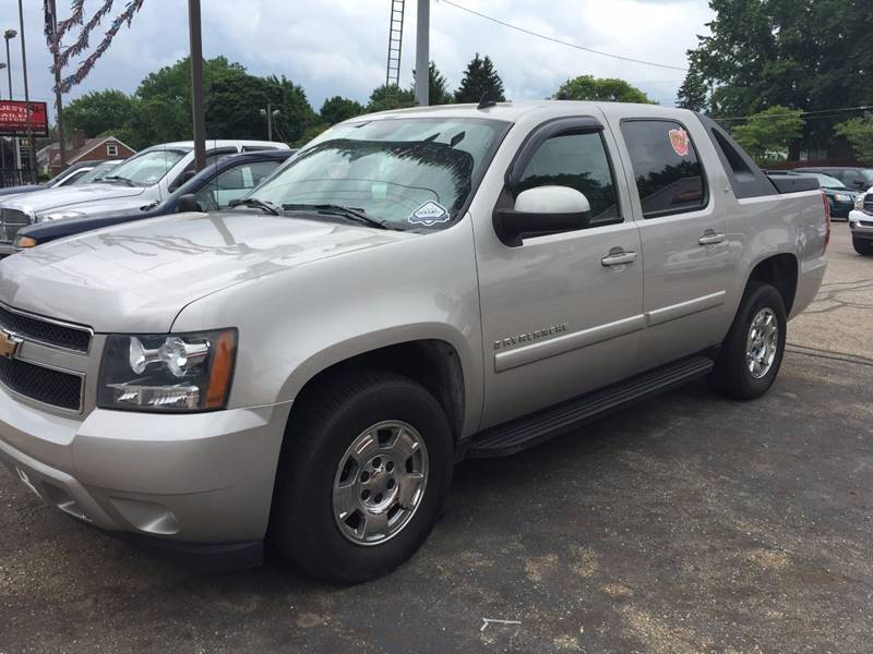 2007 Chevrolet Avalanche LT 1500 4dr Crew Cab 4WD SB - Canton OH