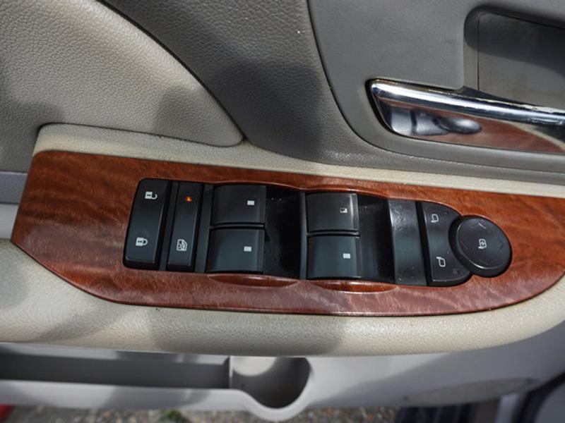 2007 GMC YUKON 1500 SLE 2WD tan climate control3rd row seatdriver air bagmulti-zone acamfm