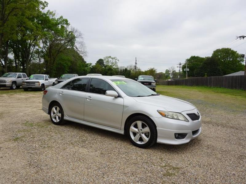 2010 TOYOTA CAMRY SE 4DR SEDAN 6A classic silver metallic brake assistemergency trunk releasedr