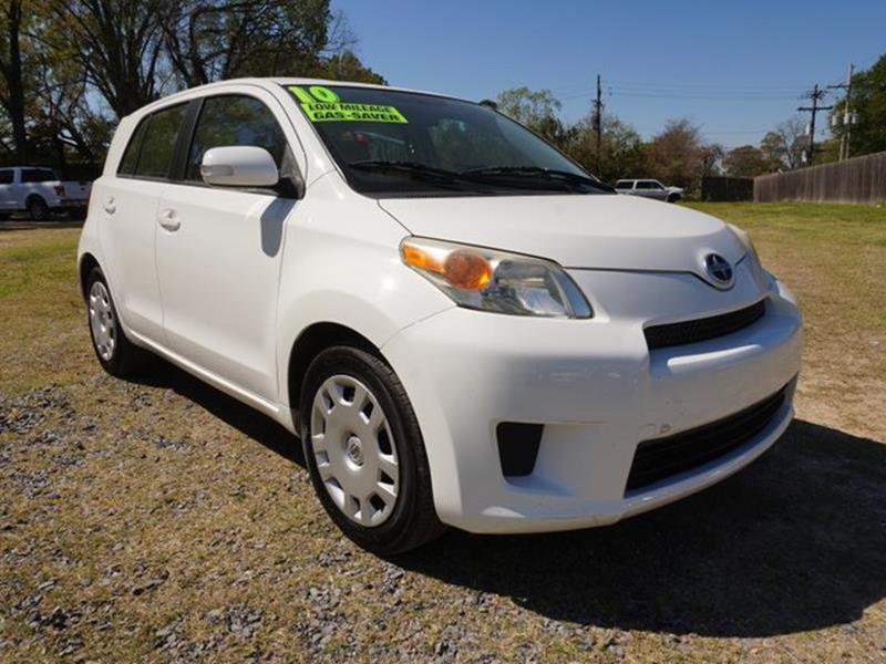 2010 SCION XD BASE 4DR HATCHBACK 4A super white tire pressure monitorsteel wheelsbrake assista