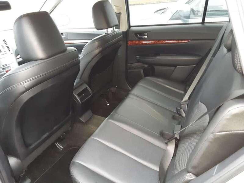 2012 Subaru Outback 2.5i Limited (image 5)