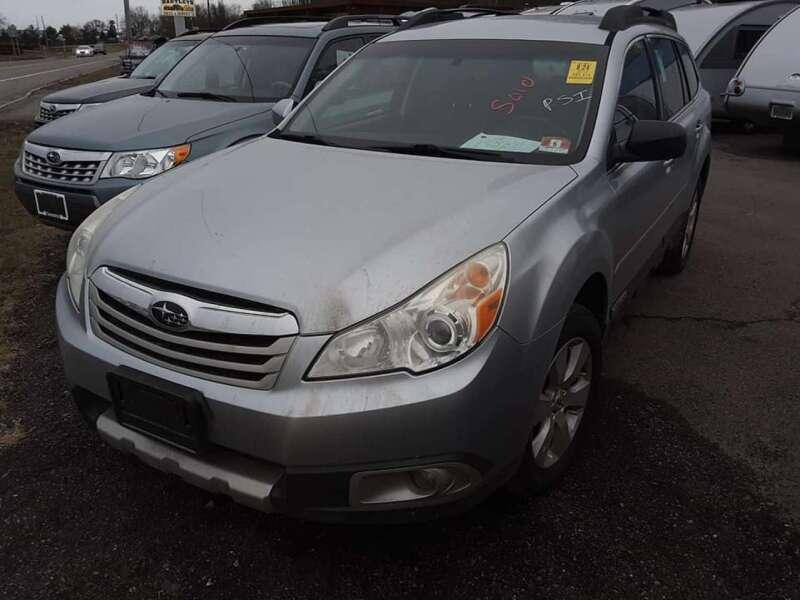2012 Subaru Outback 2.5i Limited (image 9)