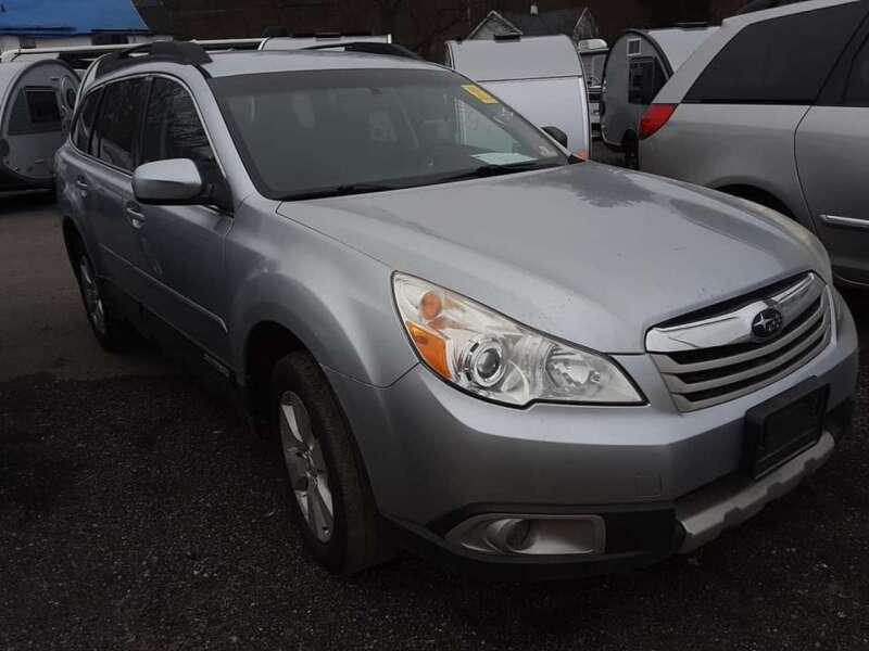 2012 Subaru Outback 2.5i Limited (image 1)
