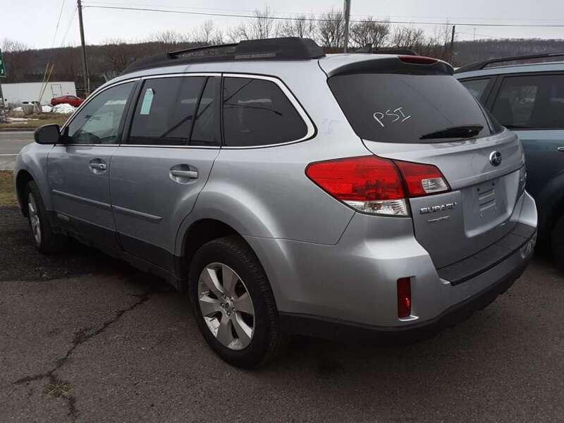 2012 Subaru Outback 2.5i Limited (image 2)