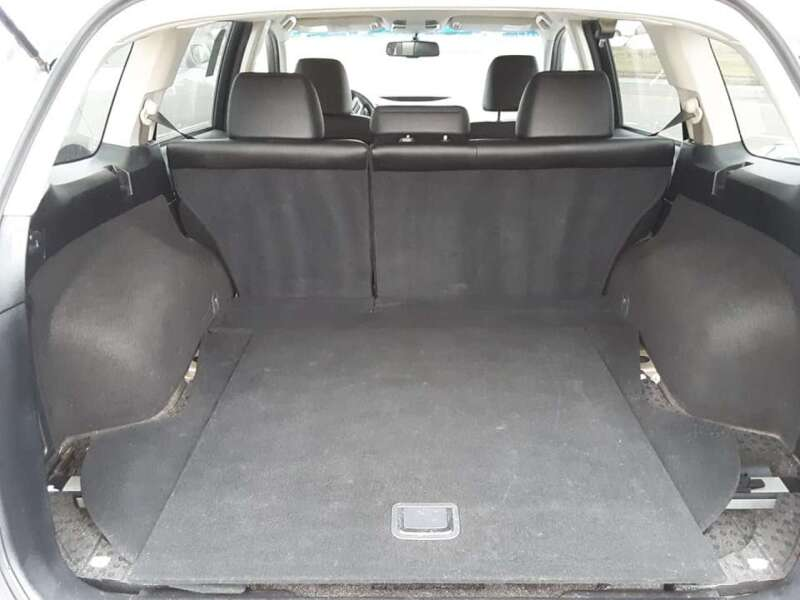 2012 Subaru Outback 2.5i Limited (image 10)
