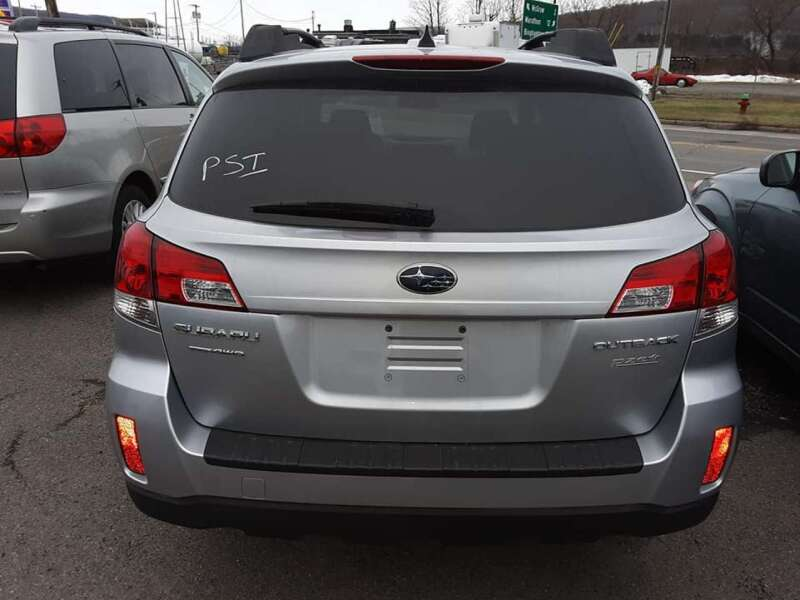2012 Subaru Outback 2.5i Limited (image 7)